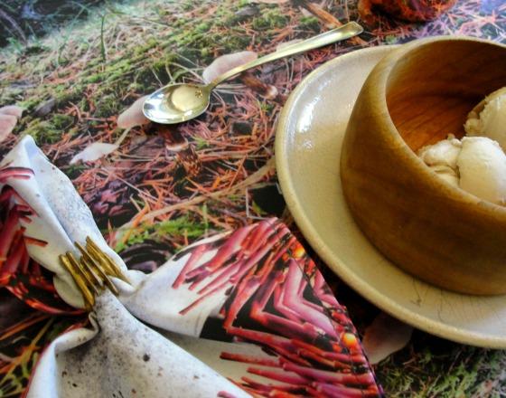 Table Setting 1 Mushroom
